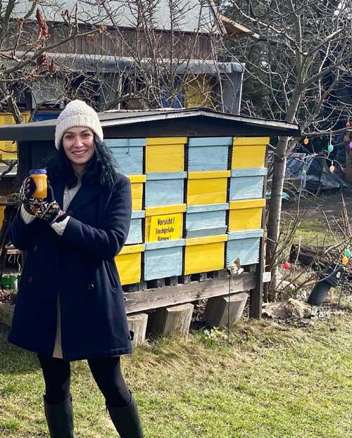 Martyna schmeckt Honig
